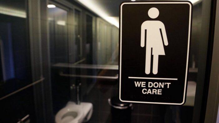 Accès des transgenres aux toilettes | Dix nouveaux États contestent la réglementation fédérale